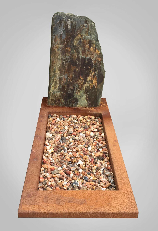 model-4-natuurlijke-grafsteen