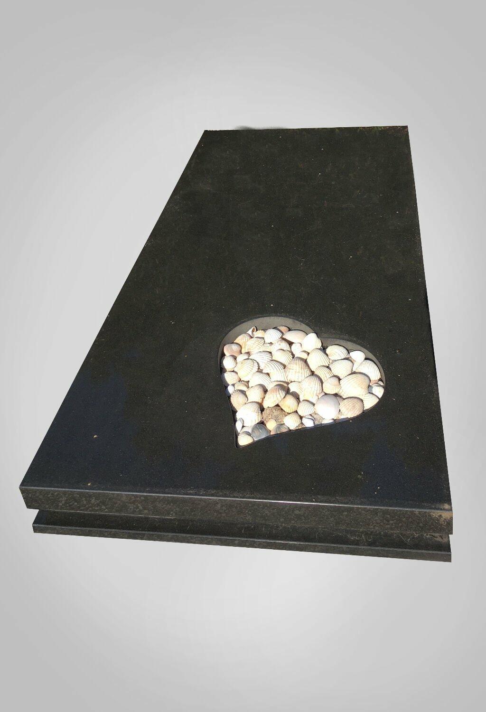 model-5-hartvorm-grafsteen