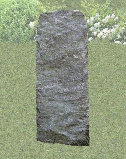 Zwerfkei als grafsteen